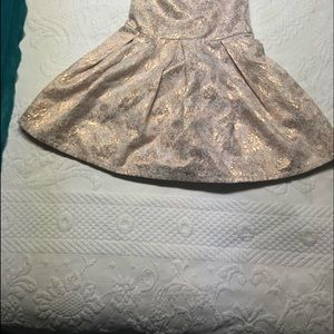 Carters Beautiful Girls Dress in Rose Gold Size 5T